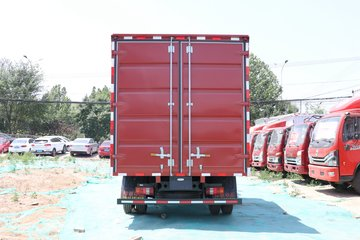 中国重汽HOWO 悍将 130马力 4.15米单排厢式轻卡(ZZ5047XXYF3114F145)图片