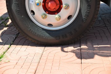 东风 多利卡D6-L 锐能版 140马力 4.17米单排栏板轻卡(国六)(EQ1041S8CD2)图片