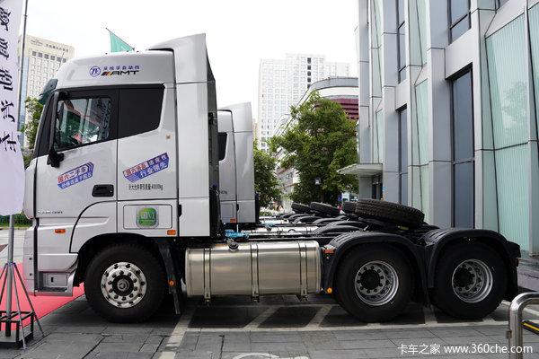 欧曼国六EST自动档牵引车西宁市火热促销中 让利高达3万